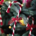 yarn-candy-cane-christmas-ornament